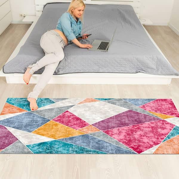 Alfombra de  vinilo Triángulos de colores geométricos